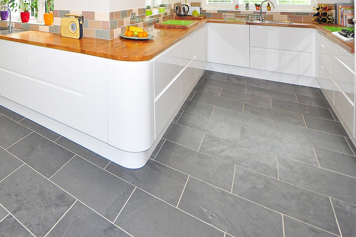 NATURAL PORCELAIN CERAMIC TILE